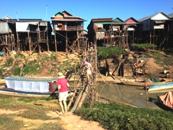kampong-phluk-village-during-dry-season-tours